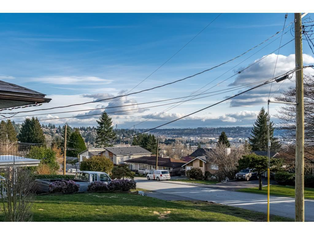 Main Photo: 1121 HAMMOND Avenue in Coquitlam: Maillardville House for sale : MLS®# R2473525