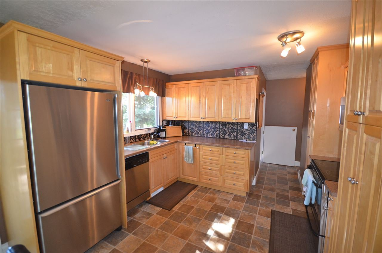 Photo 6: Photos: 13314 MONTNEY Road in Fort St. John: Fort St. John - Rural W 100th House for sale (Fort St. John (Zone 60))  : MLS®# R2477394