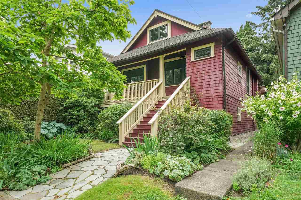 Main Photo: 4643 JOHN Street in Vancouver: Main House for sale (Vancouver East)  : MLS®# R2484707