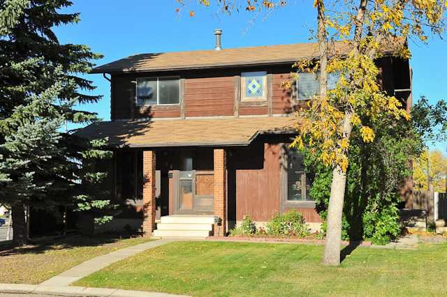 Main Photo: 48 BERKSHIRE Court NW in CALGARY: Beddington Residential Detached Single Family for sale (Calgary)  : MLS®# C3593185