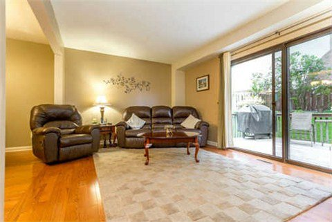 Photo 13: Photos: 311 Homestead Drive in Oshawa: McLaughlin House (2-Storey) for sale : MLS®# E3207531