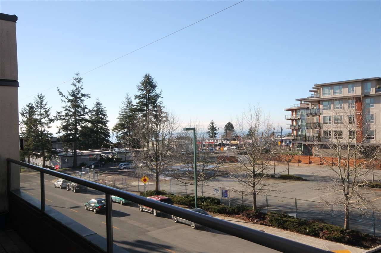 """Photo 12: Photos: 306 1440 GEORGE Street: White Rock Condo for sale in """"Georgian Square"""" (South Surrey White Rock)  : MLS®# R2020720"""