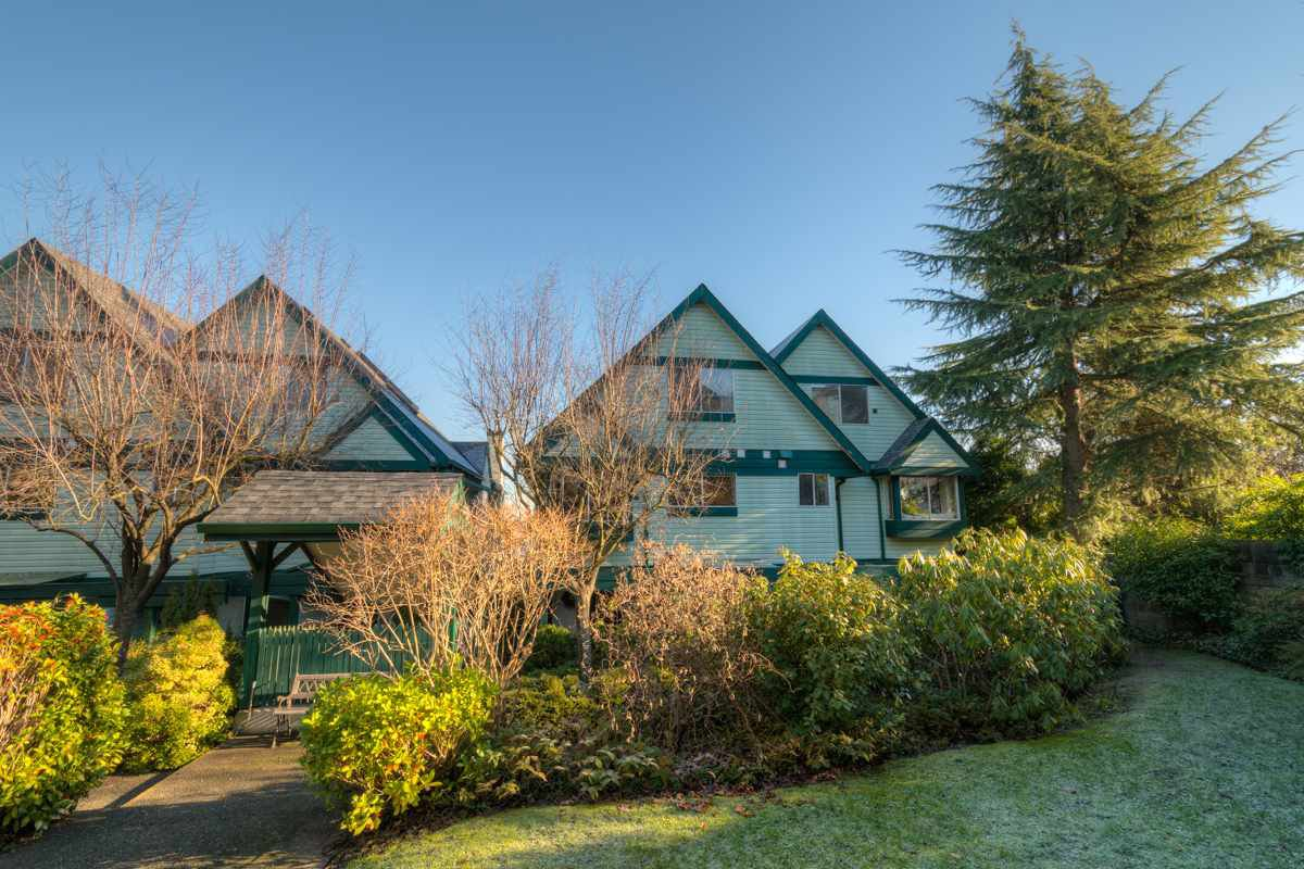 Main Photo: 4320 SOPHIA Street in Vancouver: Main Townhouse for sale (Vancouver East)  : MLS®# R2022136