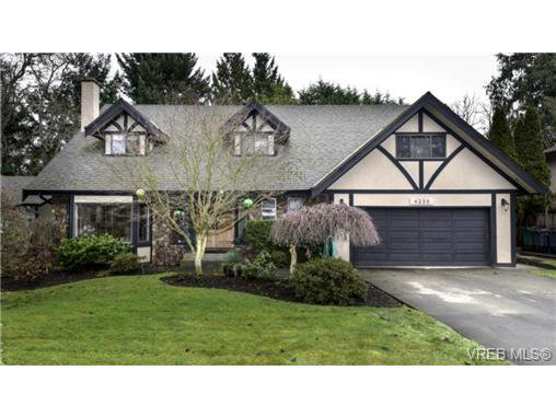 Main Photo: 4239 Lynnfield Cres in VICTORIA: SE Mt Doug Single Family Detached for sale (Saanich East)  : MLS®# 719912