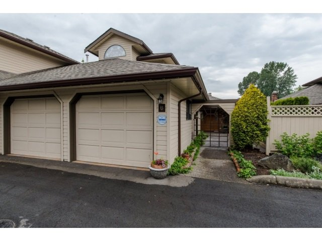 "Main Photo: 6 9515 WOODBINE Street in Chilliwack: Chilliwack E Young-Yale Townhouse for sale in ""Woodbine Place"" : MLS®# R2060265"