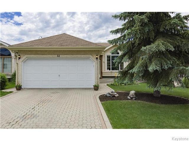 Main Photo: 32 Eastmount Drive in Winnipeg: St Vital Residential for sale (South East Winnipeg)  : MLS®# 1615509