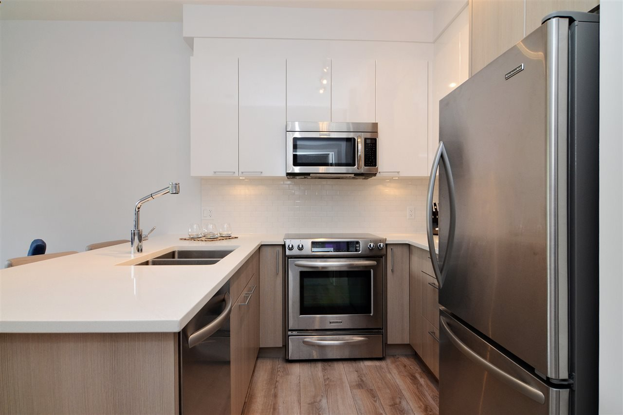 "Photo 9: Photos: 210 1201 W 16TH Street in North Vancouver: Norgate Condo for sale in ""The Ave"" : MLS®# R2108813"