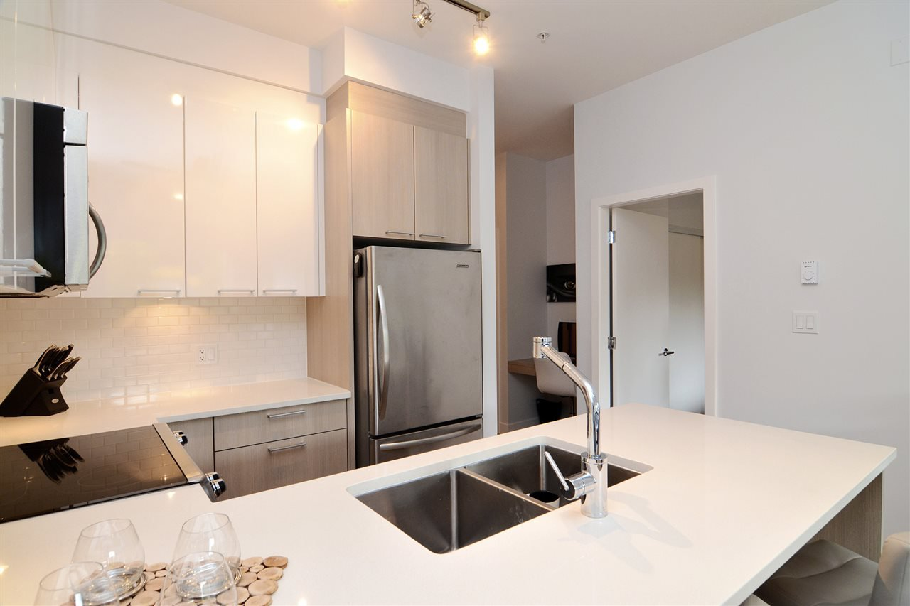 "Photo 10: Photos: 210 1201 W 16TH Street in North Vancouver: Norgate Condo for sale in ""The Ave"" : MLS®# R2108813"