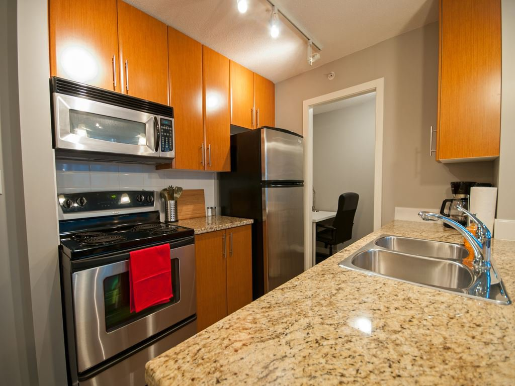Main Photo: 506 618 ABBOTT Street in Vancouver: Downtown VW Condo for sale (Vancouver West)  : MLS®# R2137306