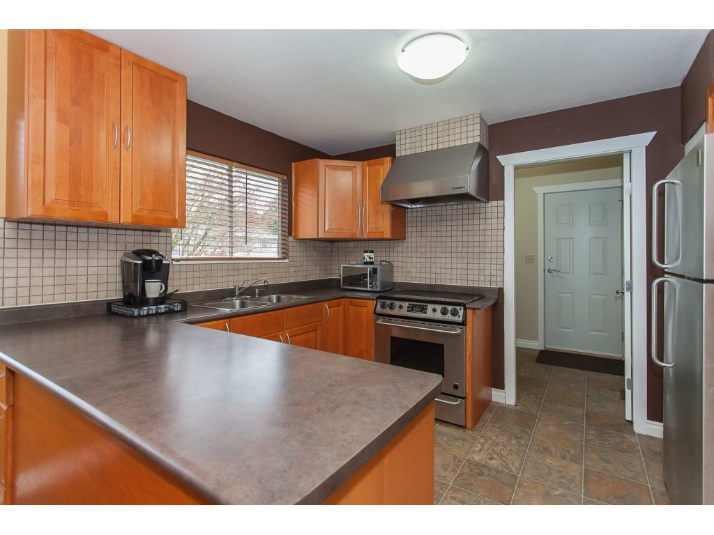 Photo 12: Photos: 8183 PHILBERT Street in Mission: Mission BC House for sale : MLS®# R2153124