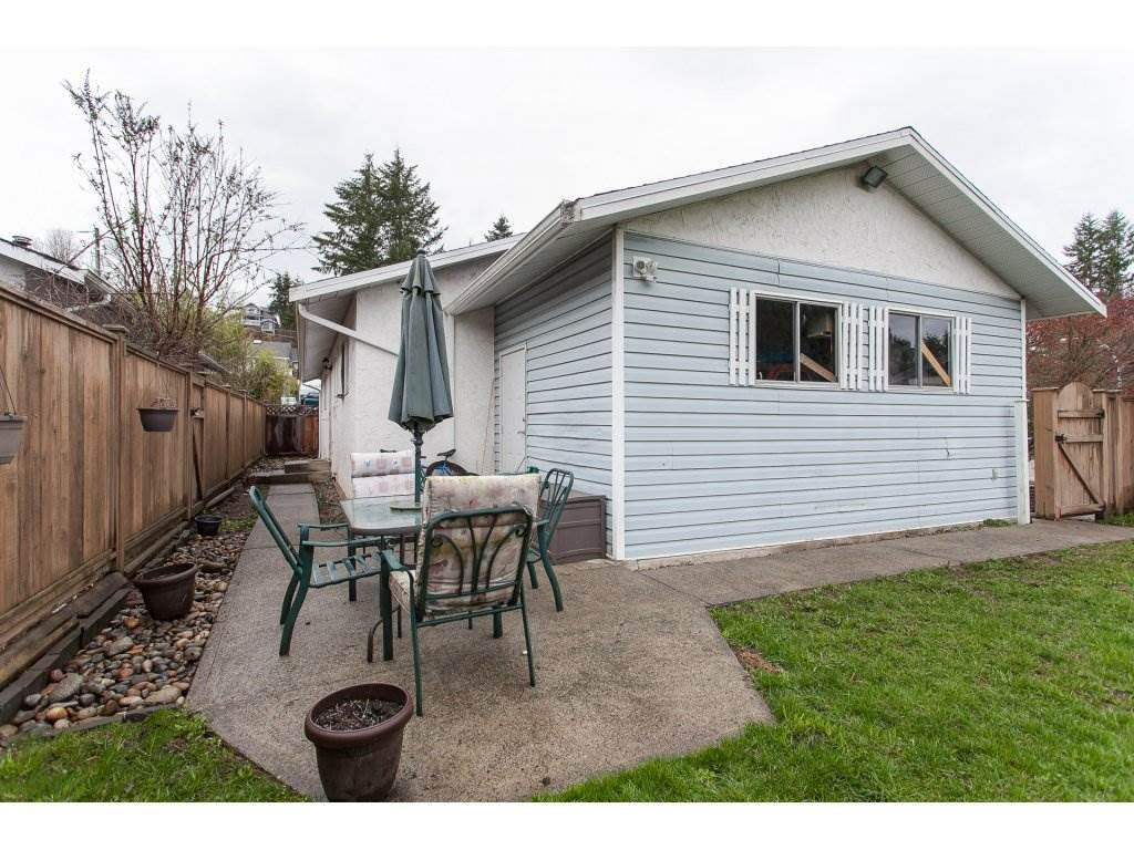 Photo 19: Photos: 8183 PHILBERT Street in Mission: Mission BC House for sale : MLS®# R2153124