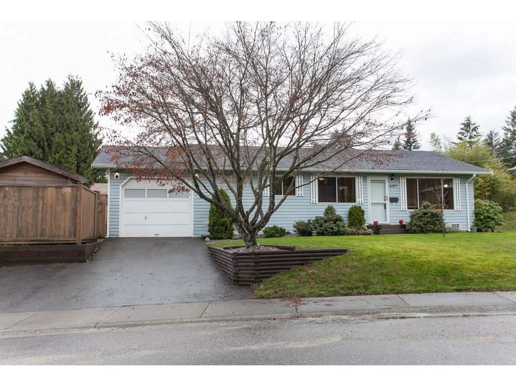 Photo 2: Photos: 8183 PHILBERT Street in Mission: Mission BC House for sale : MLS®# R2153124