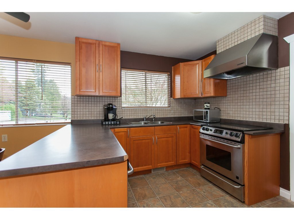 Photo 9: Photos: 8183 PHILBERT Street in Mission: Mission BC House for sale : MLS®# R2153124