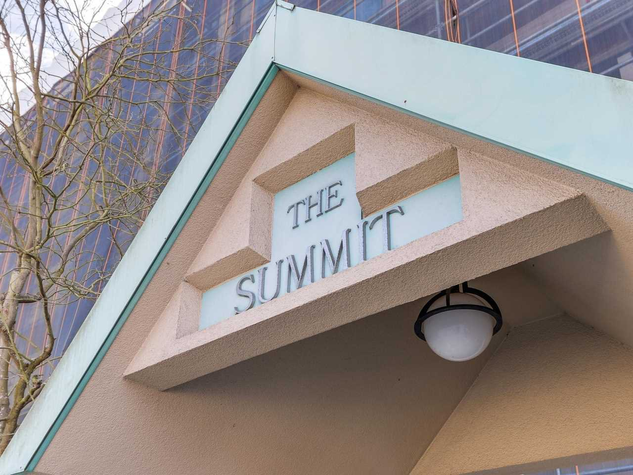 """Main Photo: 206 15466 NORTH BLUFF Road: White Rock Condo for sale in """"The Summit"""" (South Surrey White Rock)  : MLS®# R2159623"""