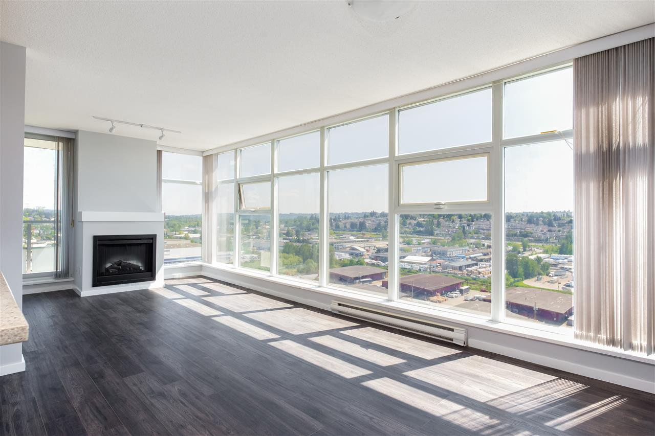 """Main Photo: 1906 2289 YUKON Crescent in Burnaby: Brentwood Park Condo for sale in """"Watercolours"""" (Burnaby North)  : MLS®# R2272185"""