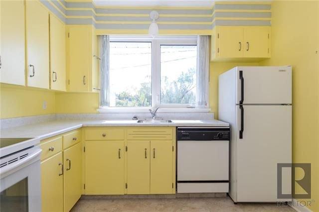 Photo 10: Photos: 1150 Riverwood Avenue in Winnipeg: West Fort Garry Residential for sale (1Jw)  : MLS®# 1824912