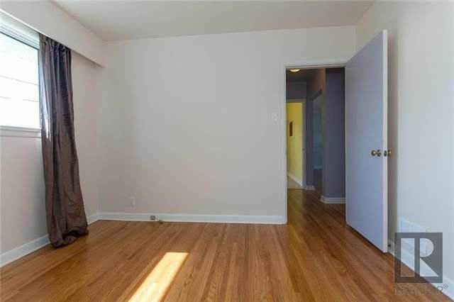 Photo 5: Photos: 1150 Riverwood Avenue in Winnipeg: West Fort Garry Residential for sale (1Jw)  : MLS®# 1824912