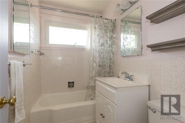 Photo 11: Photos: 1150 Riverwood Avenue in Winnipeg: West Fort Garry Residential for sale (1Jw)  : MLS®# 1824912