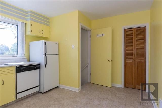 Photo 8: Photos: 1150 Riverwood Avenue in Winnipeg: West Fort Garry Residential for sale (1Jw)  : MLS®# 1824912