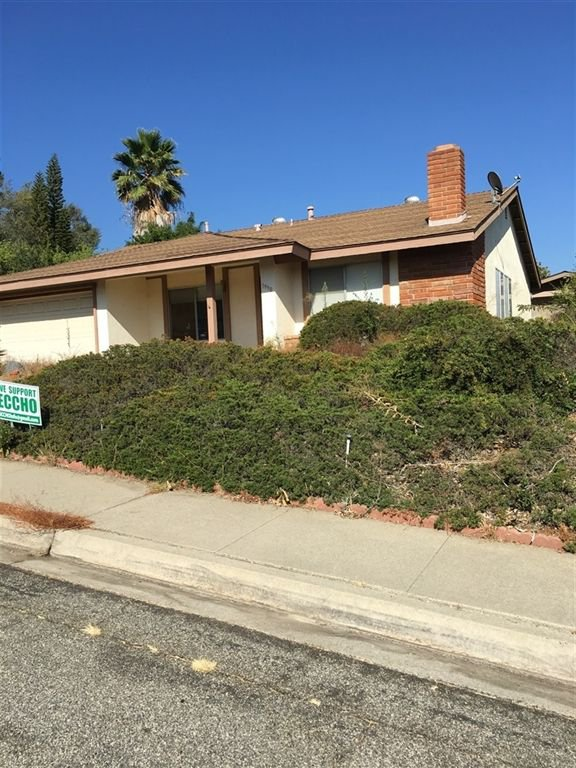 Main Photo: NORTH ESCONDIDO House for sale : 2 bedrooms : 1990 Golden Circle Dr in Escondido