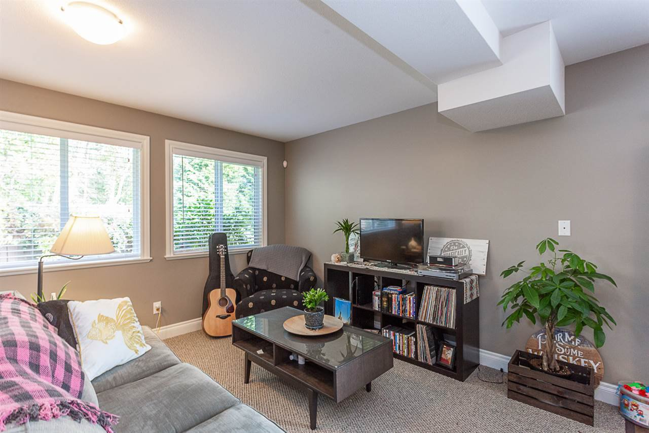 Photo 11: Photos: 33093 DESBRISAY Avenue in Mission: Mission BC House for sale : MLS®# R2339219