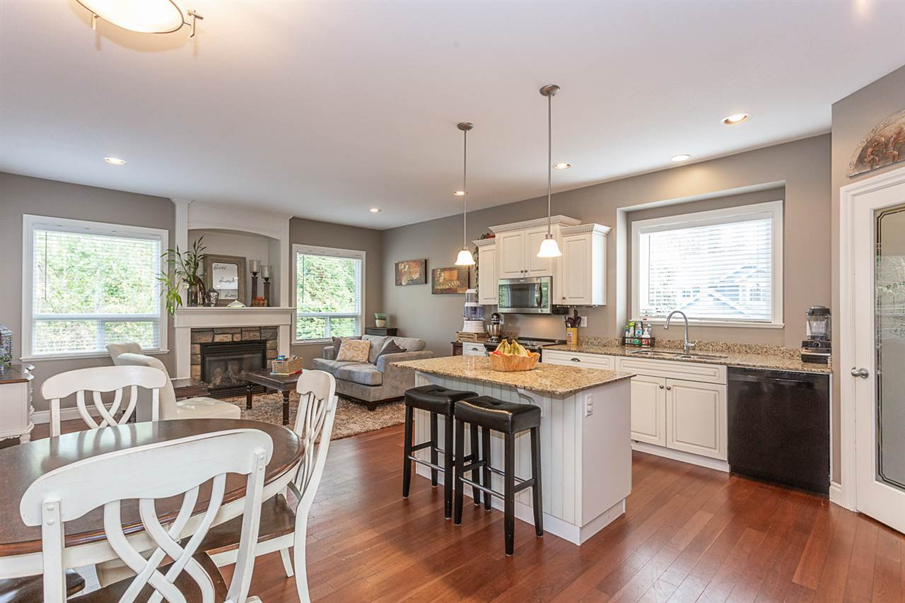 Photo 2: Photos: 33093 DESBRISAY Avenue in Mission: Mission BC House for sale : MLS®# R2339219
