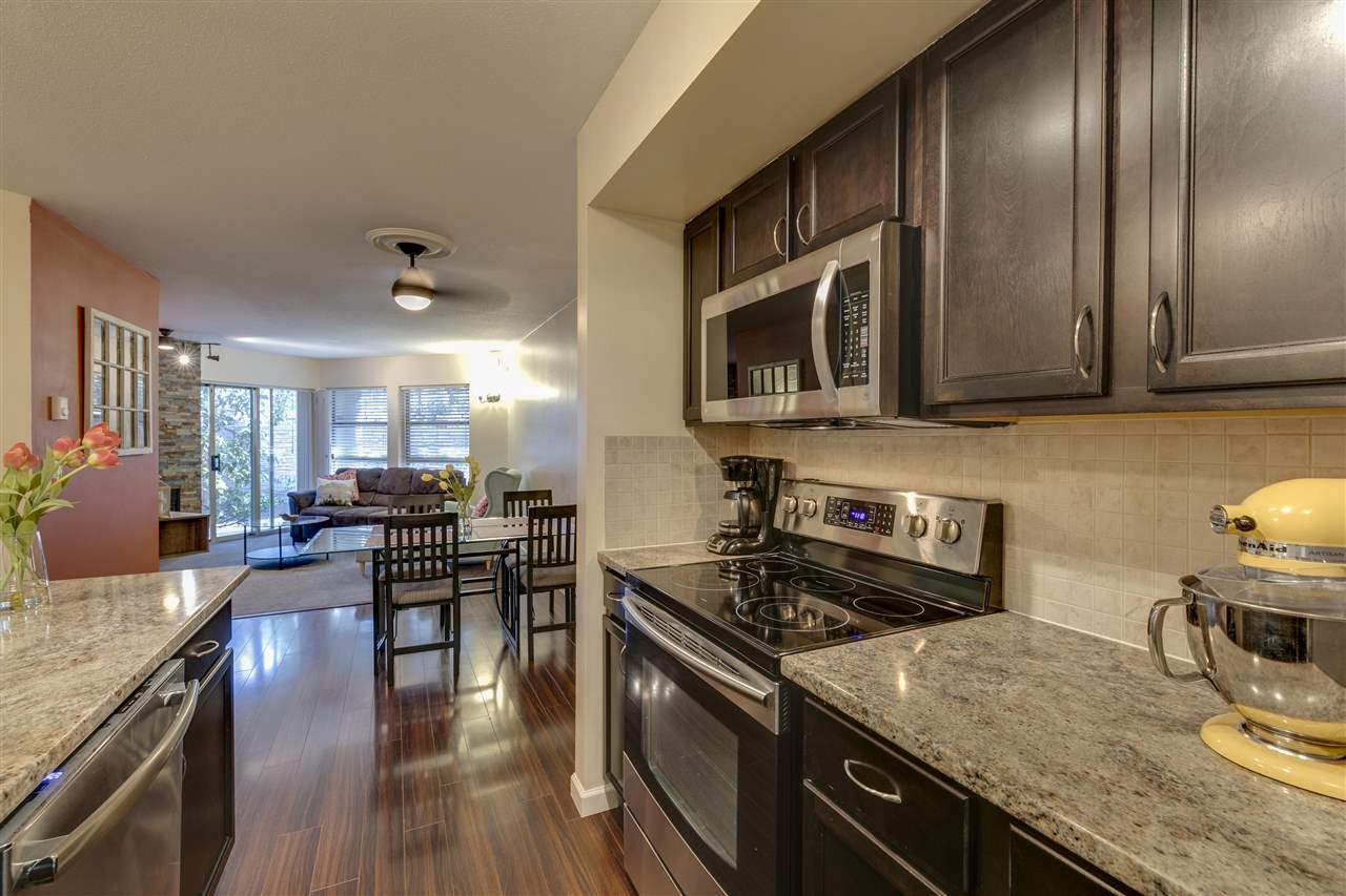 """Photo 10: Photos: 106 22277 122 Avenue in Maple Ridge: West Central Condo for sale in """"THE GARDENS"""" : MLS®# R2348974"""