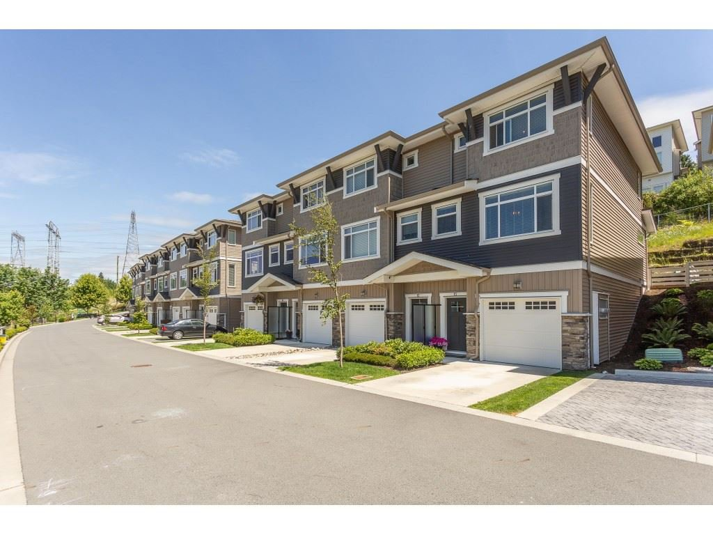 "Main Photo: 13 34230 ELMWOOD Drive in Abbotsford: Central Abbotsford Townhouse for sale in ""Ten Oaks"" : MLS®# R2378852"