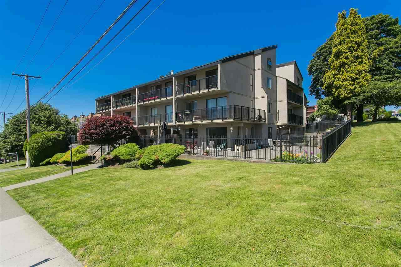 """Main Photo: 202 803 QUEENS Avenue in New Westminster: Uptown NW Condo for sale in """"SUNDAYLE MANOR"""" : MLS®# R2383909"""