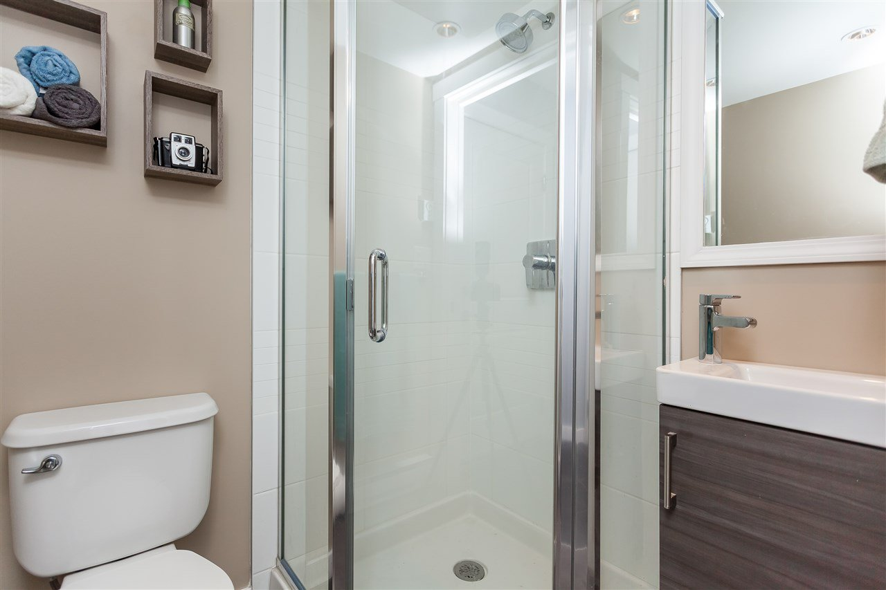 """Photo 18: Photos: 64 19477 72A Avenue in Surrey: Clayton Townhouse for sale in """"Sun at 72"""" (Cloverdale)  : MLS®# R2386075"""