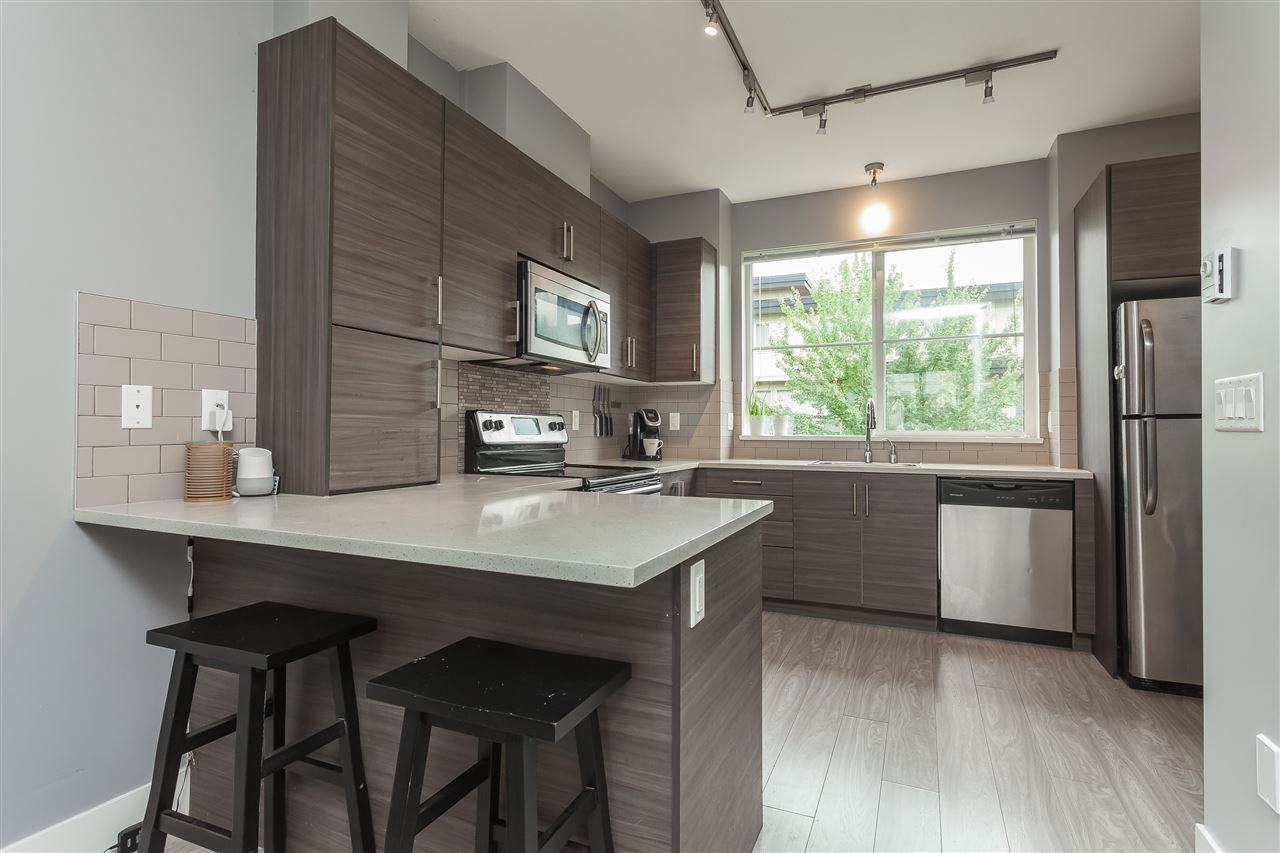 """Photo 6: Photos: 64 19477 72A Avenue in Surrey: Clayton Townhouse for sale in """"Sun at 72"""" (Cloverdale)  : MLS®# R2386075"""