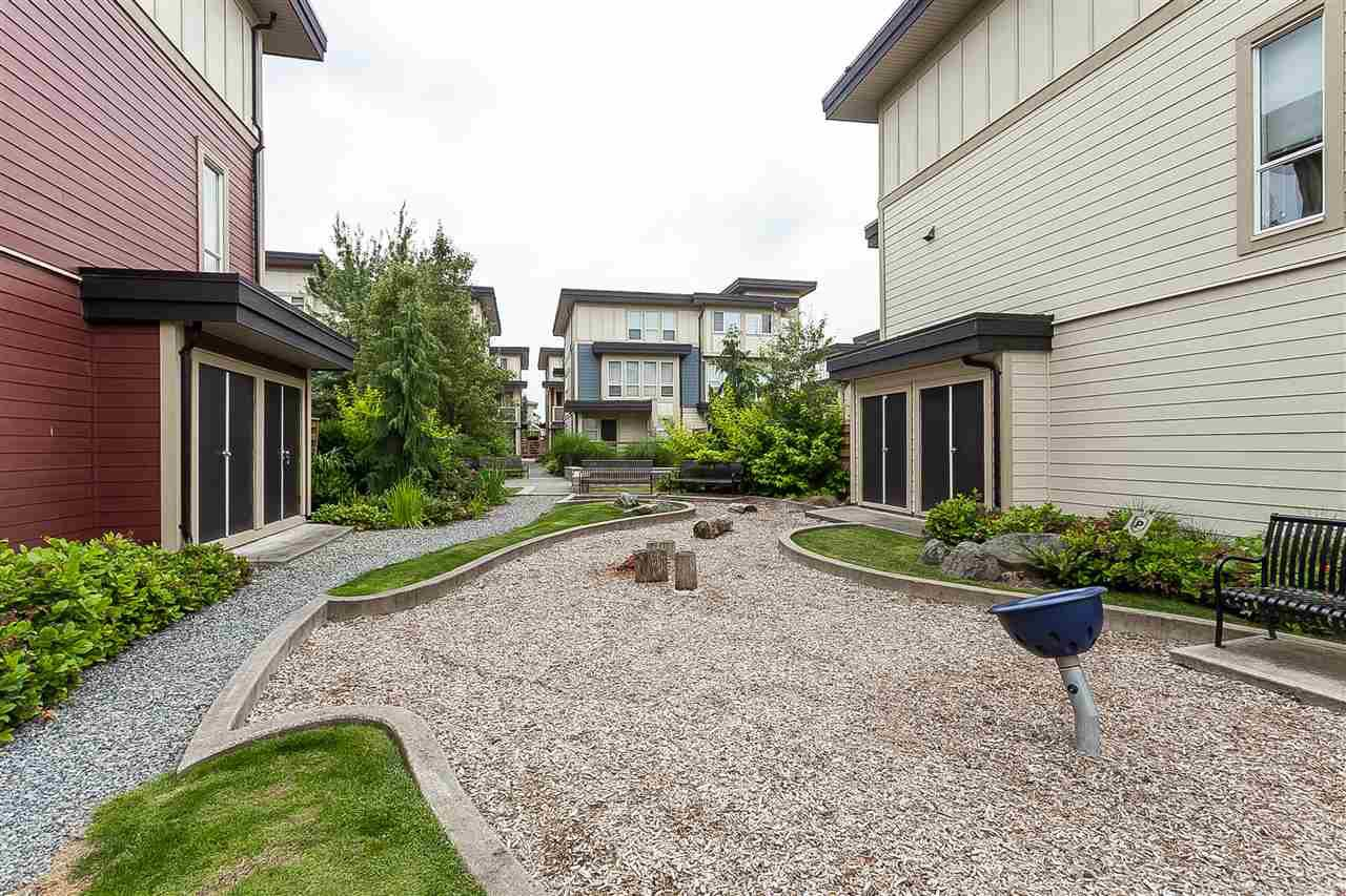 """Photo 20: Photos: 64 19477 72A Avenue in Surrey: Clayton Townhouse for sale in """"Sun at 72"""" (Cloverdale)  : MLS®# R2386075"""