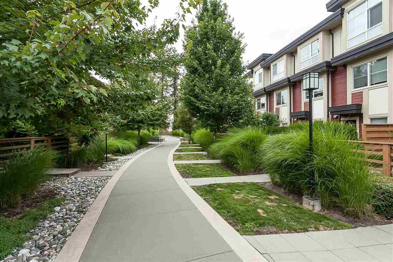"""Photo 15: Photos: 64 19477 72A Avenue in Surrey: Clayton Townhouse for sale in """"Sun at 72"""" (Cloverdale)  : MLS®# R2386075"""