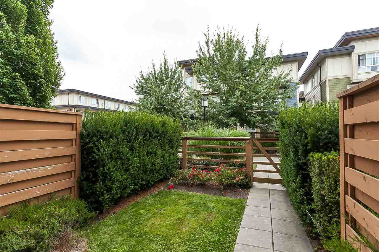 """Photo 3: Photos: 64 19477 72A Avenue in Surrey: Clayton Townhouse for sale in """"Sun at 72"""" (Cloverdale)  : MLS®# R2386075"""
