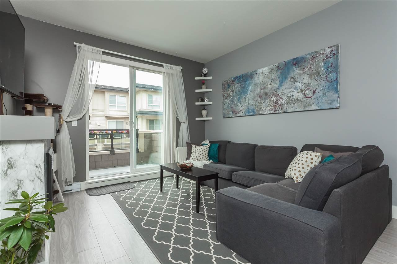 """Photo 8: Photos: 64 19477 72A Avenue in Surrey: Clayton Townhouse for sale in """"Sun at 72"""" (Cloverdale)  : MLS®# R2386075"""