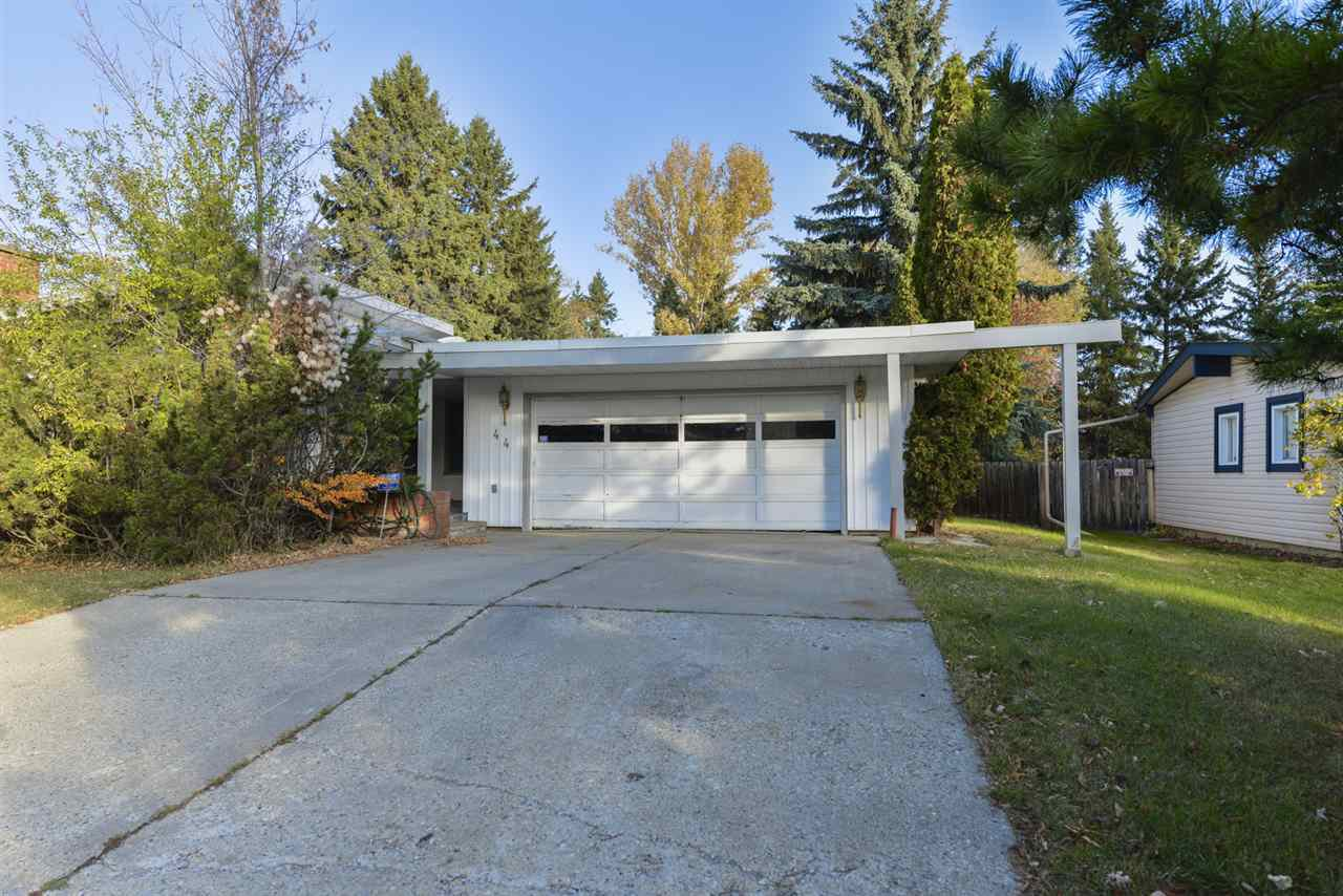 Main Photo: 44 FAIRWAY Drive in Edmonton: Zone 16 House for sale : MLS®# E4177644