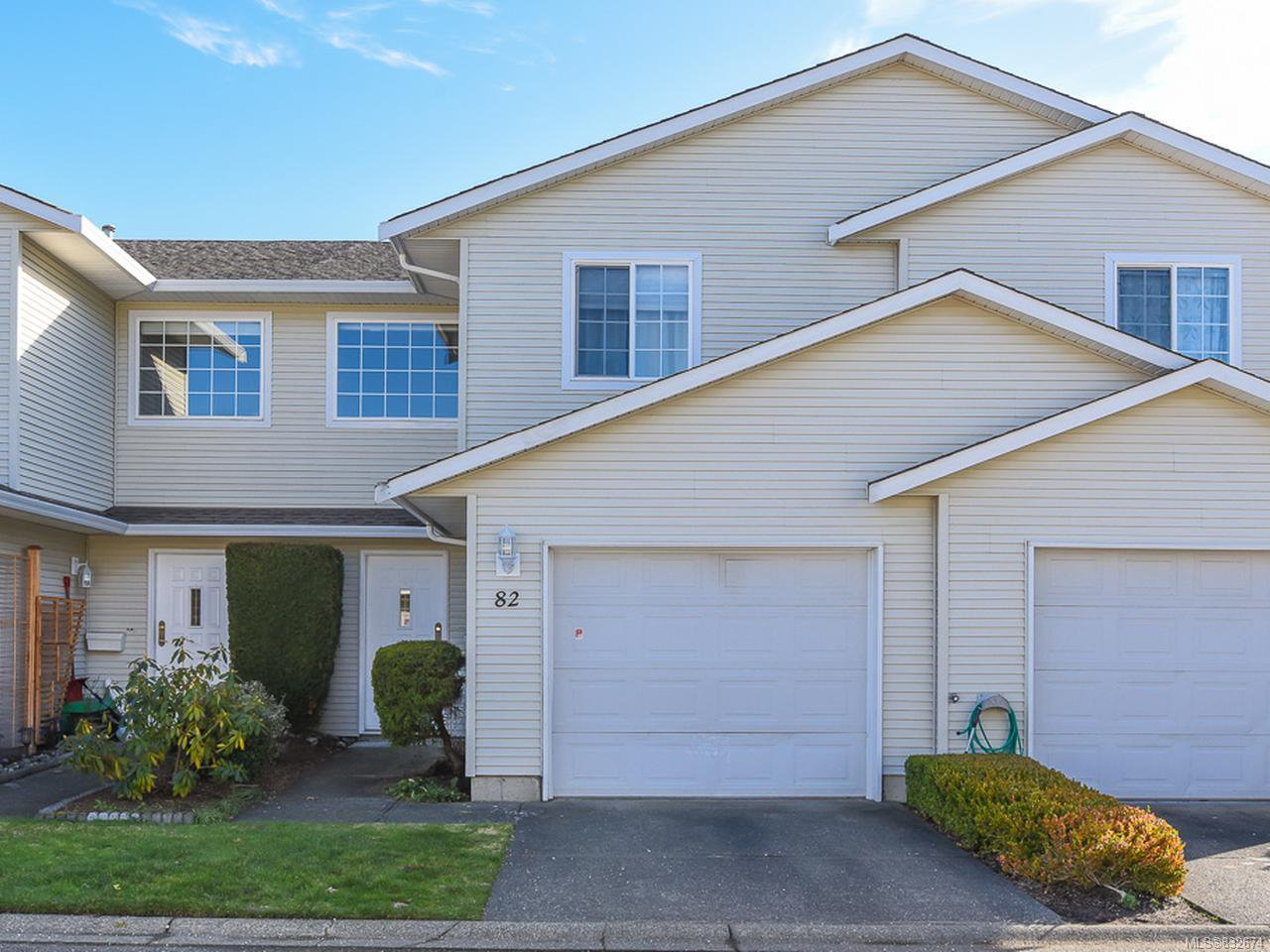 Main Photo: 82 717 Aspen Rd in COMOX: CV Comox (Town of) Row/Townhouse for sale (Comox Valley)  : MLS®# 832674