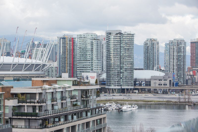 "Main Photo: 1201 88 W 1ST Avenue in Vancouver: False Creek Condo for sale in ""The One"" (Vancouver West)  : MLS®# R2460479"