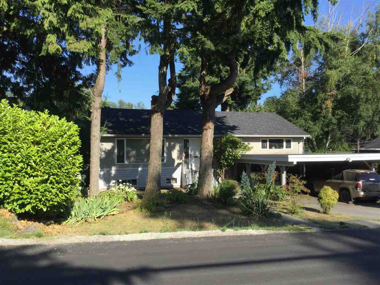 Main Photo: 10830 142A Street in Surrey: Bolivar Heights House for sale (North Surrey)  : MLS®# R2480257