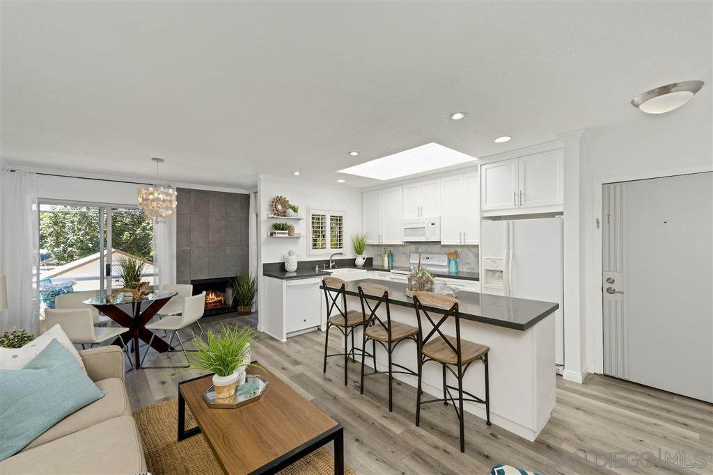 Main Photo: CORONADO VILLAGE Condo for sale : 2 bedrooms : 536 G Ave #4 in Coronado