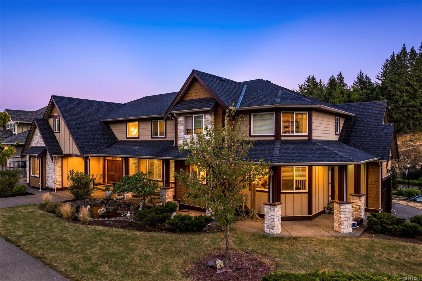 Main Photo: 2215 Spirit Ridge Dr in : La Bear Mountain House for sale (Langford)  : MLS®# 860545