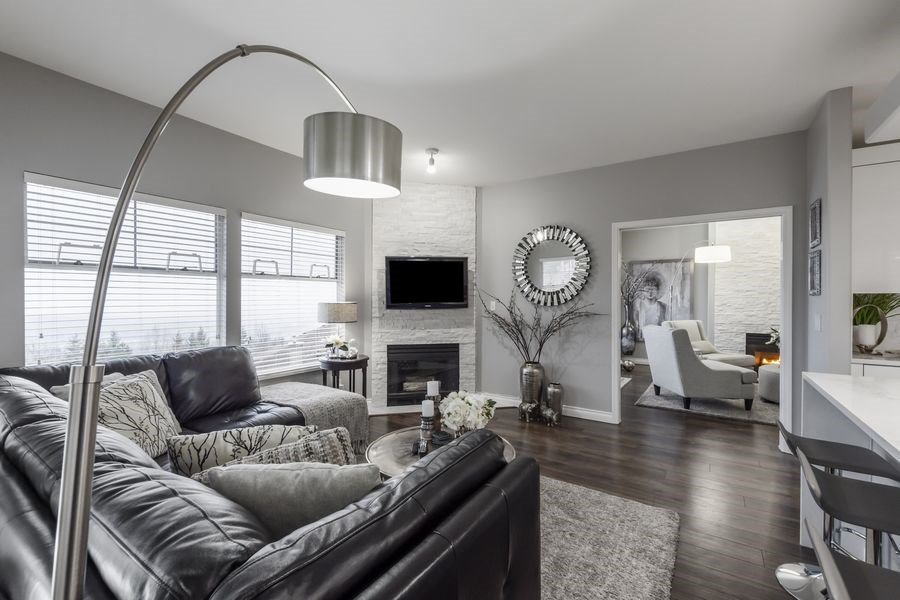 """Main Photo: 38 2979 PANORAMA Drive in Coquitlam: Westwood Plateau Townhouse for sale in """"DEERCREST"""" : MLS®# R2523689"""