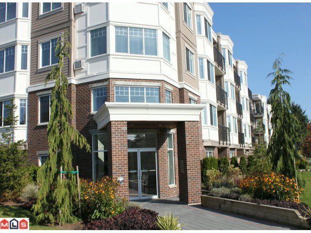 "Main Photo: 310 15357 ROPER Avenue: White Rock Condo for sale in ""Regency Court"" (South Surrey White Rock)  : MLS®# F1125783"