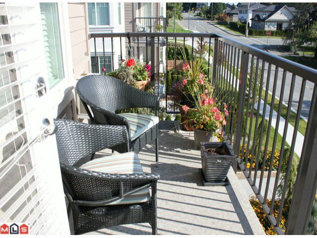 "Photo 9: Photos: 310 15357 ROPER Avenue: White Rock Condo for sale in ""Regency Court"" (South Surrey White Rock)  : MLS®# F1125783"