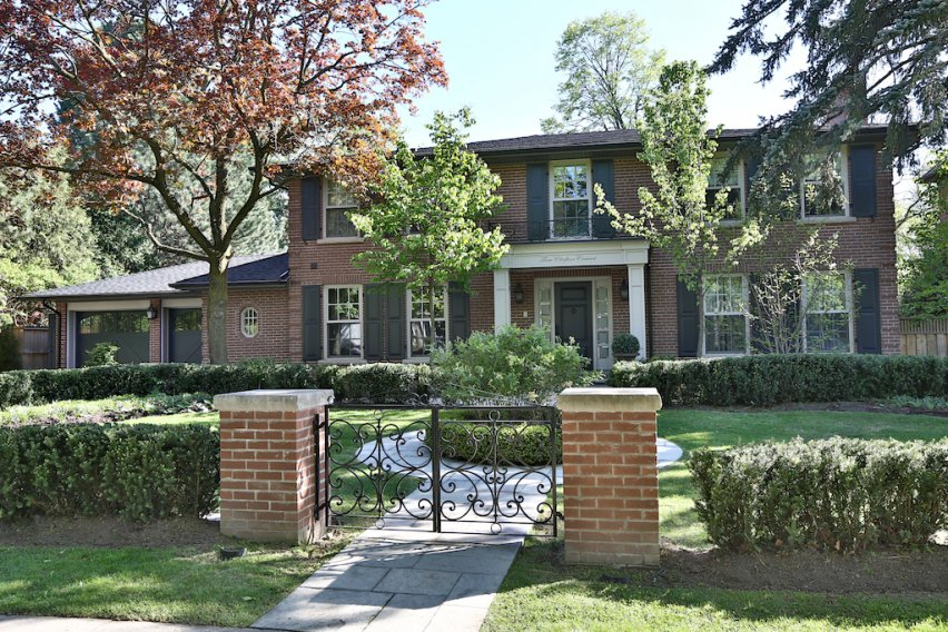 Main Photo: 3 Chieftain Crescent in Toronto: Bayview-York Mills Freehold for sale (Toronto C12)