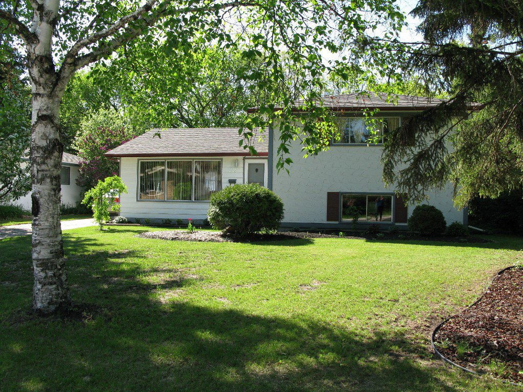 Main Photo: 22 Baldry Bay in Winnipeg: Residential for sale : MLS®# 1308613