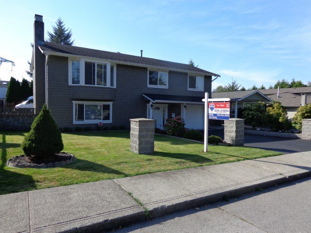 Main Photo: 4757 200A Street in Langley: Langley City House for sale : MLS®# F1407195
