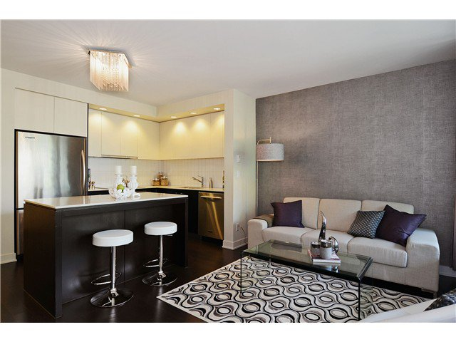 """Main Photo: 215 750 W 12TH Avenue in Vancouver: Fairview VW Condo for sale in """"TAPESTRY"""" (Vancouver West)  : MLS®# V1069367"""