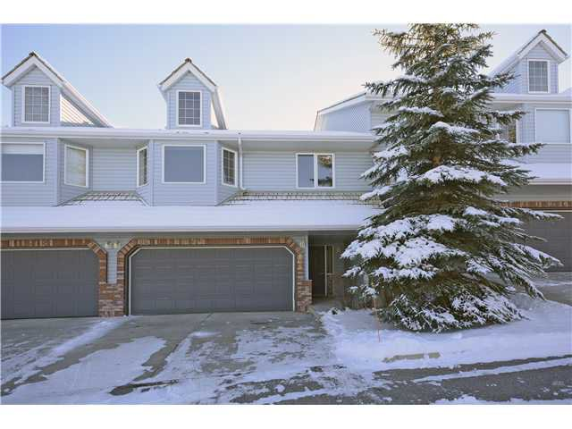 Main Photo: 108 VALLEY RIDGE Heights NW in Calgary: Valley Ridge Residential Attached for sale : MLS®# C3644362