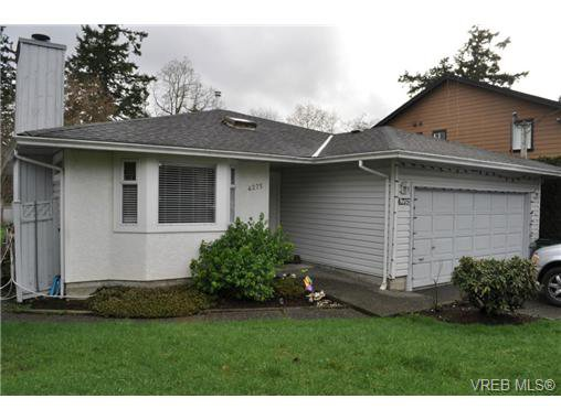 Main Photo: 4275 Wilkinson Rd in VICTORIA: SW Northridge Single Family Detached for sale (Saanich West)  : MLS®# 691440